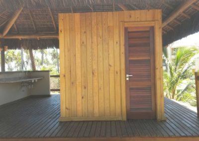 Quiosque com estrutura em eucalipto e cobertura em piaçava 3